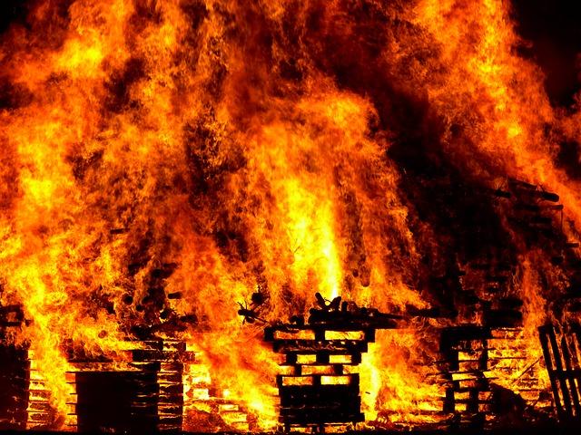 Fire 298105 640