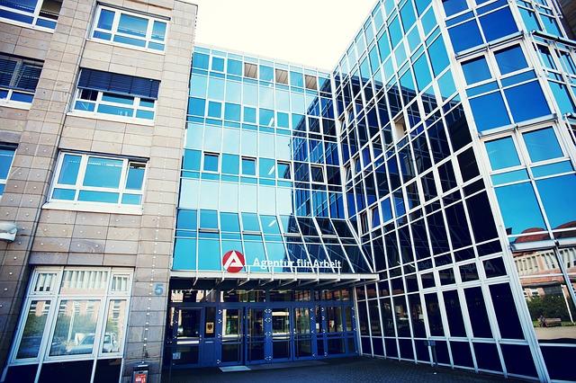 Ostdeutsche Jobcenter Schneiden Sehr Schlecht Ab!