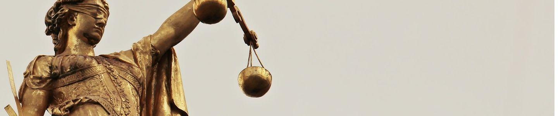 Ein Anwalt für Sozialrecht unterstützt dich gegen das Jobcenter.