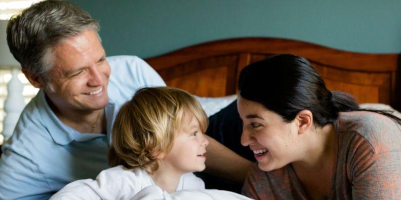 Familien freuen sich jetzt in Bayern über ein anrechnungsfreies Familiengeld.